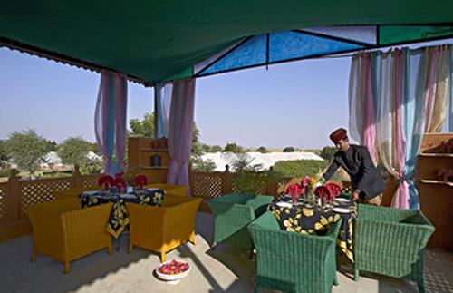 Maikhana Pool Side Cafe
