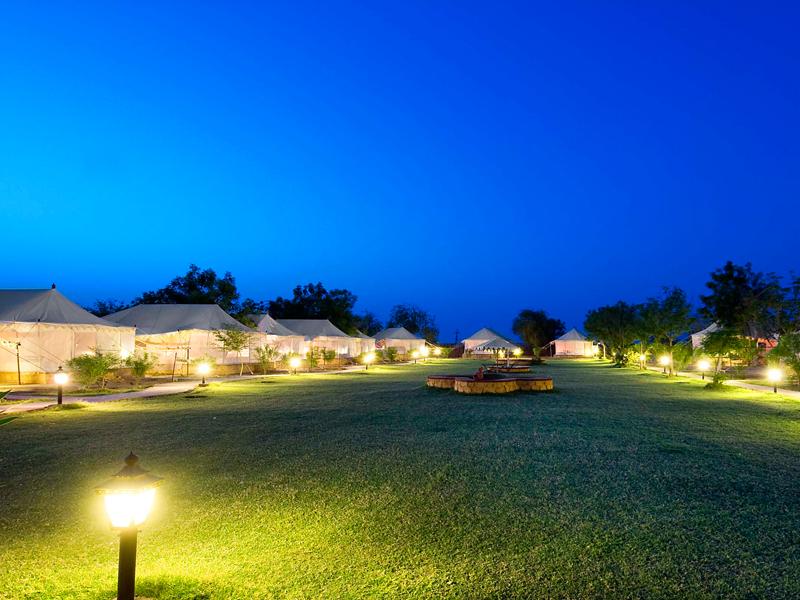 Deluxe-Tent-area-in-Resort
