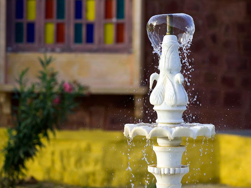 Fountain-near-Premium-Cottages